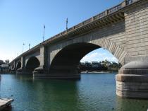 London_Bridge,_Lake_Havasu_City,_Arizona_(3227888290)