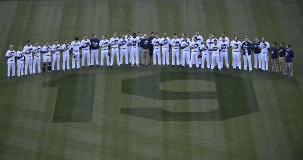 Photo - San Diego Padres (via Twitter)
