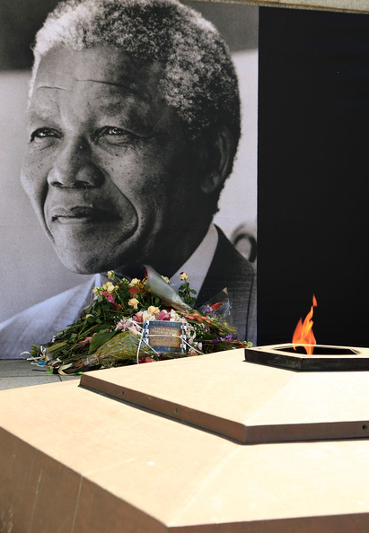 Nelson+Mandela+South+Africa+Mourns+Death+Nelson+0FHhLbRyohKl
